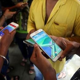 La contraffazione viaggia in business Sorpresi con 300 smartphone tarocchi