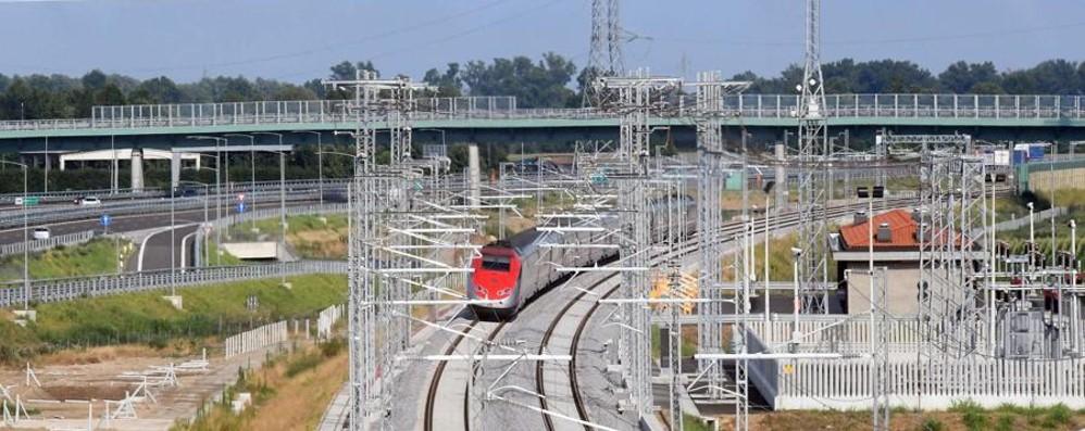 Alta velocità, Renzi al taglio del nastro E promette: «Ora più soldi ai pendolari»