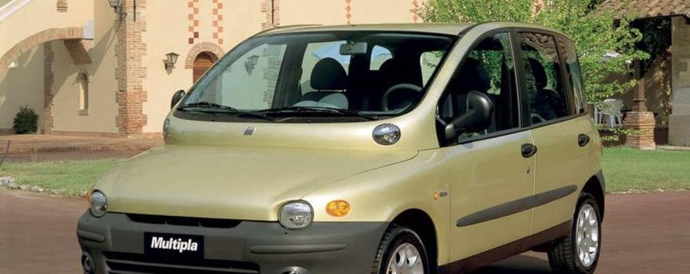 Auto in vendita a un prezzo da record 52enne di Pognano scappa con l'acconto