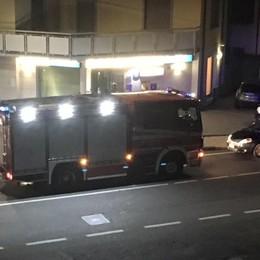 Ladri fanno esplodere il bancomat Paura a Bagnatica: «Barricati in casa»