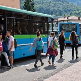 Studenti bergamaschi in autobus Abbonamenti più cari e meno sconti