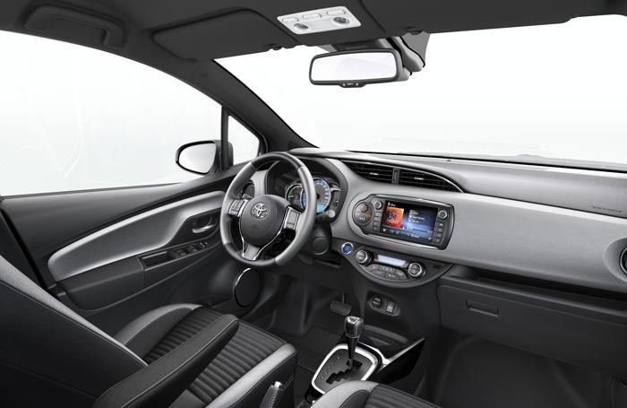 L'interno della Toyota Yaris