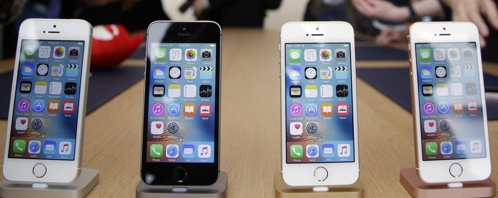 Il nuovo iPhone: tre smartphone in uno Indiscrezioni sul gioiellino Apple