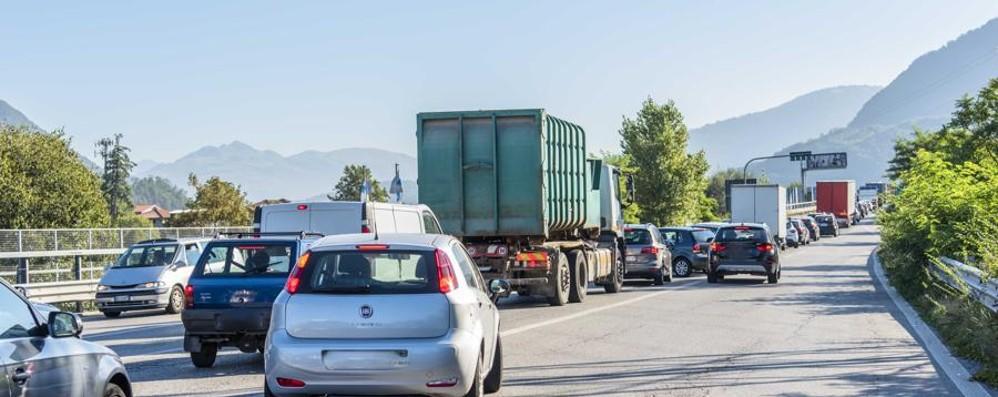 Incidente in galleria ad Albino Traffico in tilt in Valle Seriana