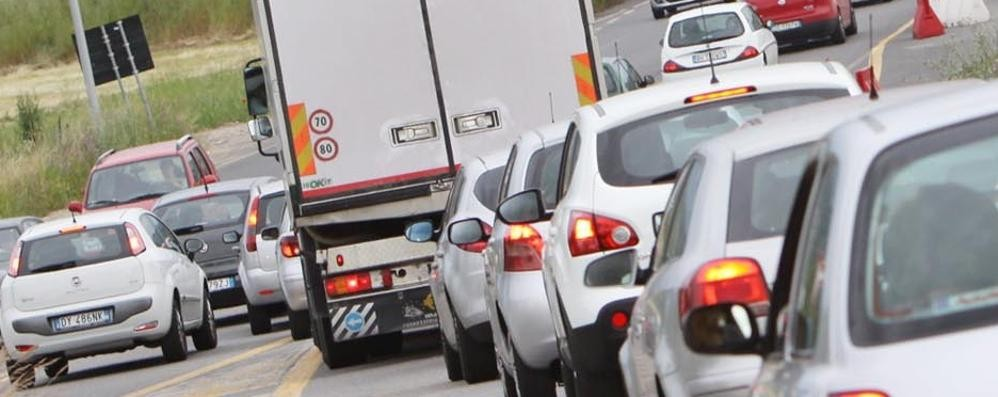 Scontro  in galleria ad Albino Mattinata col traffico in tilt
