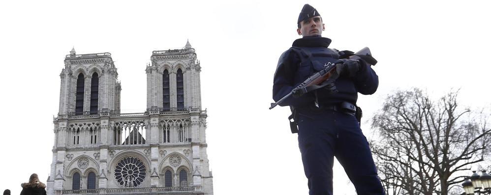 Preparavano  attentato alla Gare de Lyon le tre donne arrestate in  banlieue di Parigi