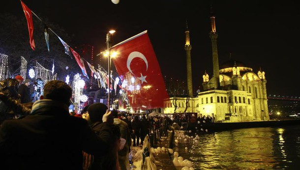 Istanbul: Mattarella, serve fermezza