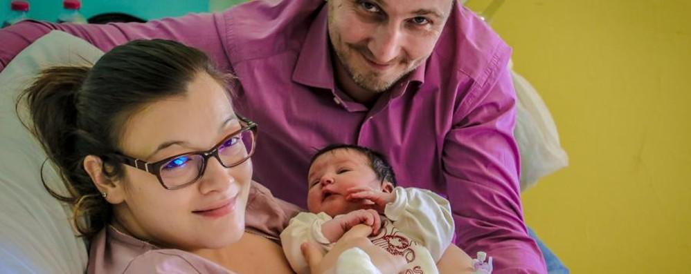 Ponte San Pietro, è Giulia la prima nata Ecco i primi bimbi del nuovo anno - video
