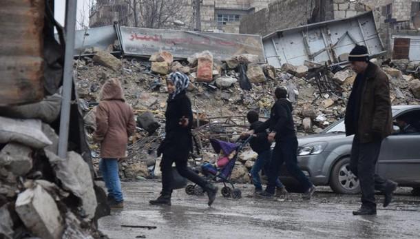 'Usa hanno bombardato Idlib, 20 morti'