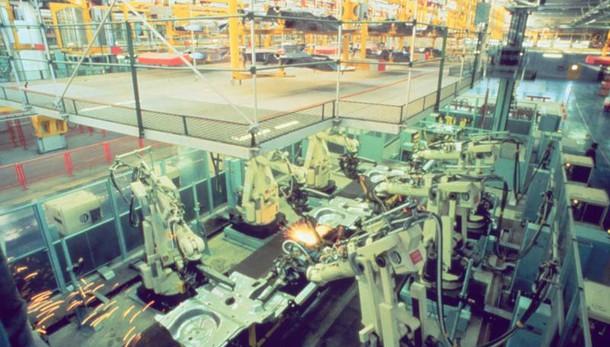 Industria, +0,7% produzione a novembre