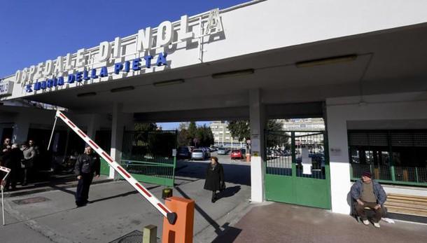 Malati a terra, raid in uffici ospedale