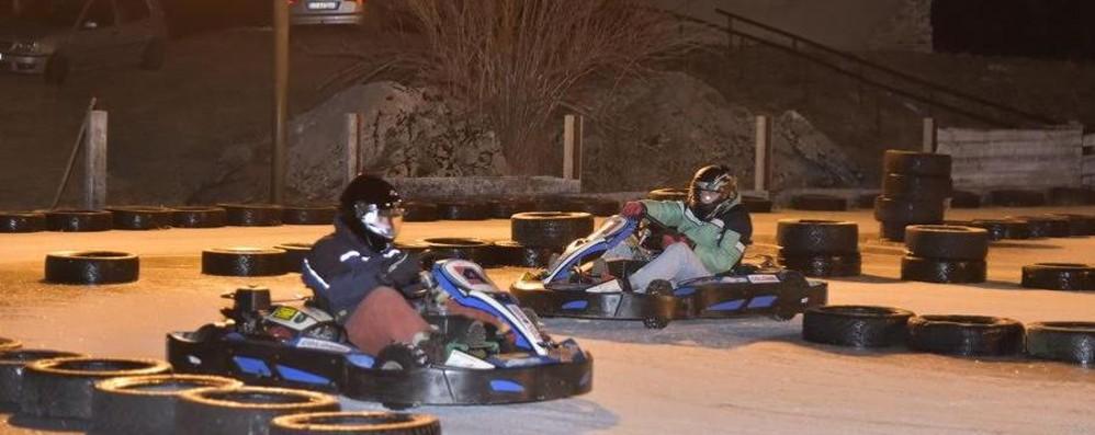 Kart e ghiaccio, divertimento doppio A San Simone una pista inedita - Video