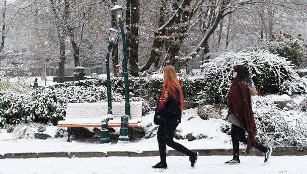 Maltempo: neve al centro e venti forti