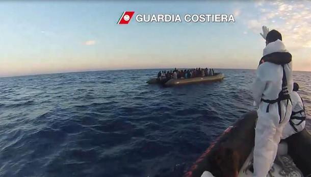 Migranti:naufragio davanti Libia,8 morti
