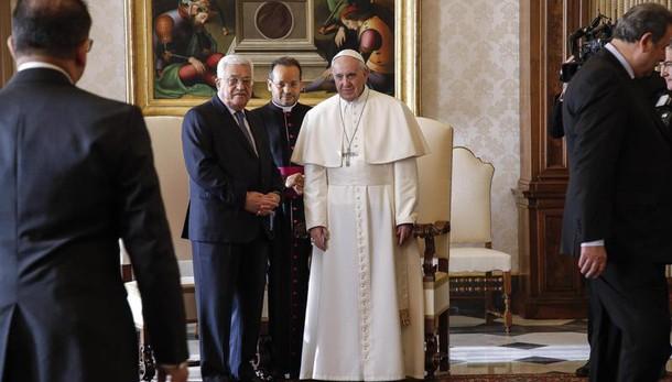 Papa:con Abu Mazen,nuovi negoziati pace