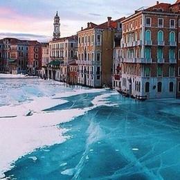 Venezia completamente ghiacciata L'ennesima bufala che diventa virale
