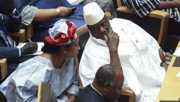 Gambia:presidente decide stato emergenza