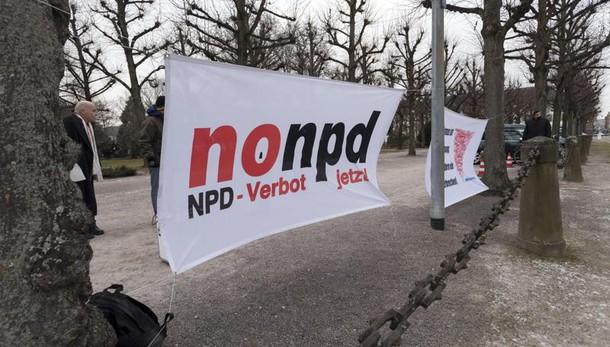 Germania, 'No' a divieto partito neonazi