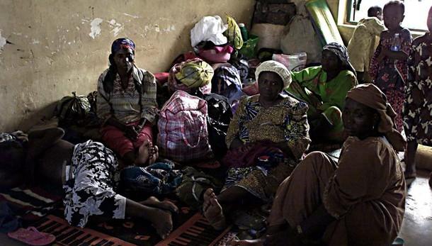 Nigeria:strage profughi, bombe da un jet