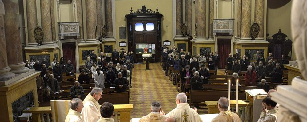 Lettera del vescovo ai giornalisti  «L'uomo sia al centro della notizia»