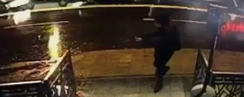 Istanbul, strage di Capodanno Italiani: «Salvati buttandoci a terra»