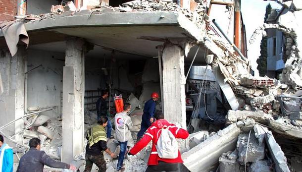 Siria: 281 civili morti in raid turchi