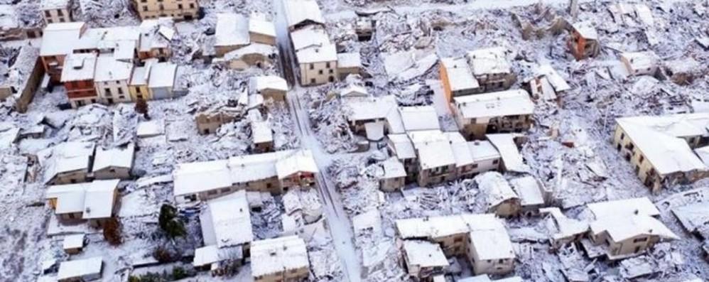 Italia in emergenza e la politica litiga