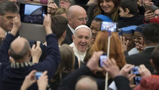 Papa:Chiesa superi mentalità di condanna