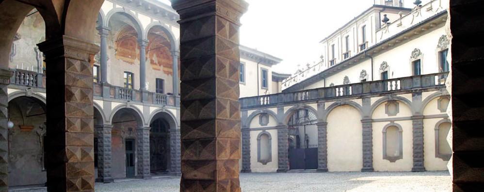 «Architetti, non partecipate al bando per la scuderia di Palazzo Visconti»