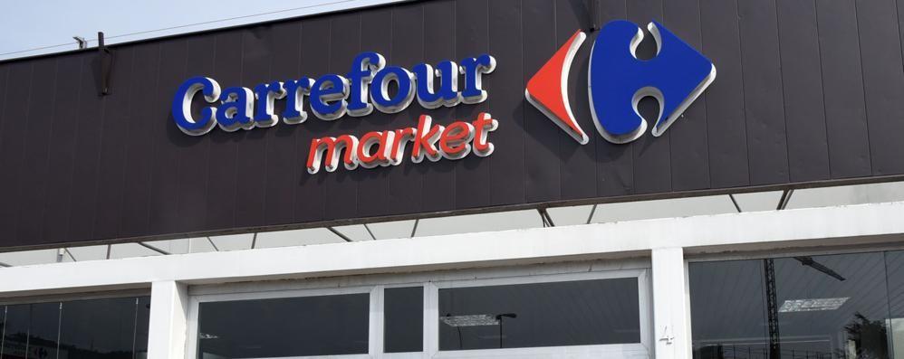 «Carrefour licenzia e chiude» Sabato sciopero anche a Bergamo