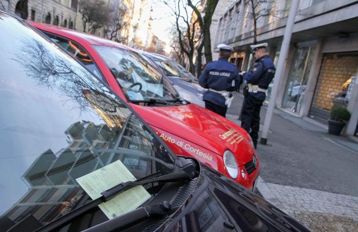 Bergamo multe e vigili sanzioni della polizia locale