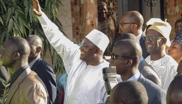 Gambia, tornato presidente eletto Barrow