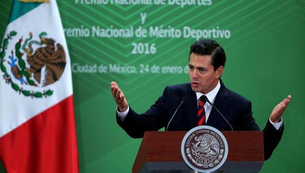 Trump sente Pena Nieto,chiamata di 1 ora