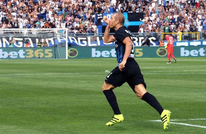 Masiello esulta dopo la rete dell'andata al Toro: finirà 2-1 per l'Atalanta