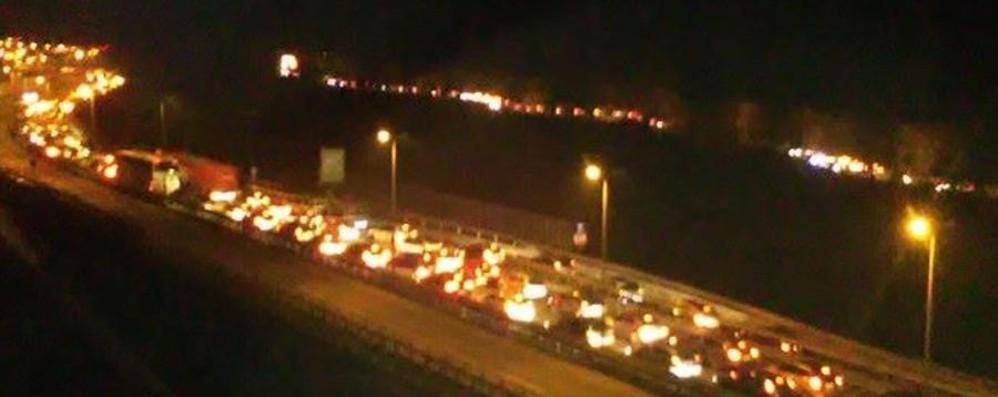Incidente a Sedrina Valle Brembana, traffico in tilt
