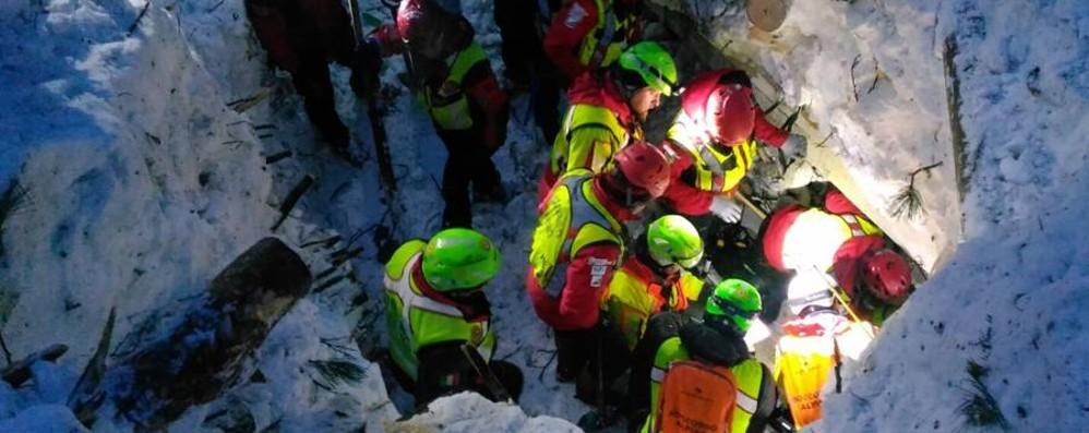 Il Soccorso alpino è tornato a casa Finito l'intervento all'Hotel Rigopiano