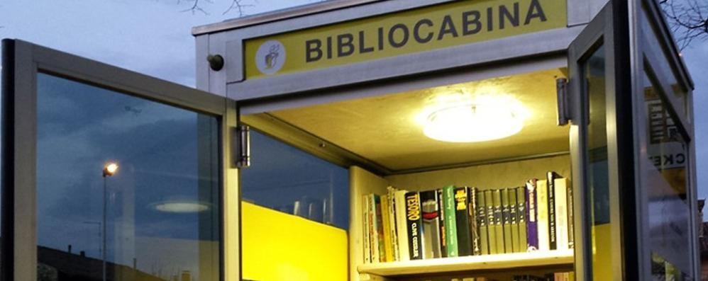 Le vecchie cabine telefoniche trasformate in piccole biblioteche