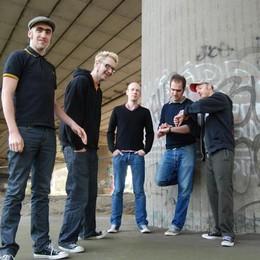 Gli Zatopeks sul palco dell'Edoné «Suoniamo punk per combattere l'odio»