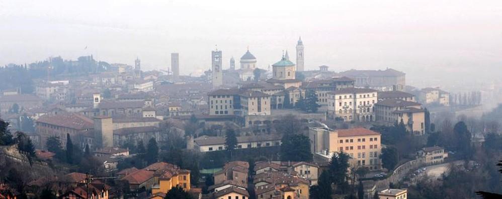 Smog a Bergamo, livelli da record Mai così alto in città – Infografica