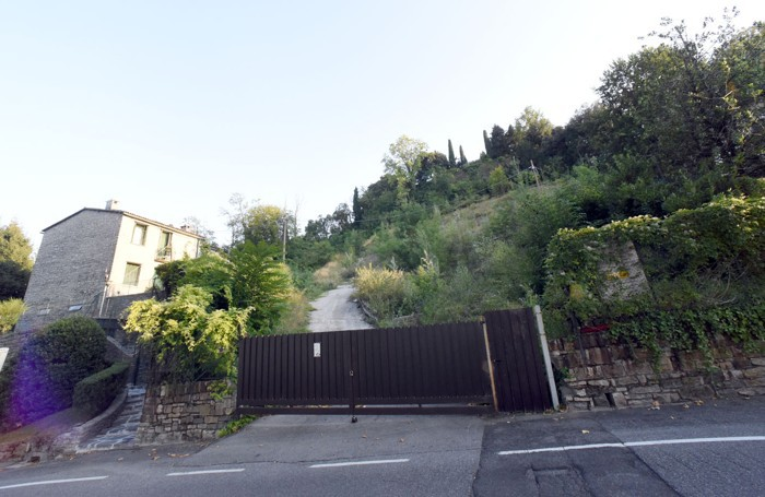 Area dove di dovrebbe realizzare un parcheggio alla Fara di Bergamo