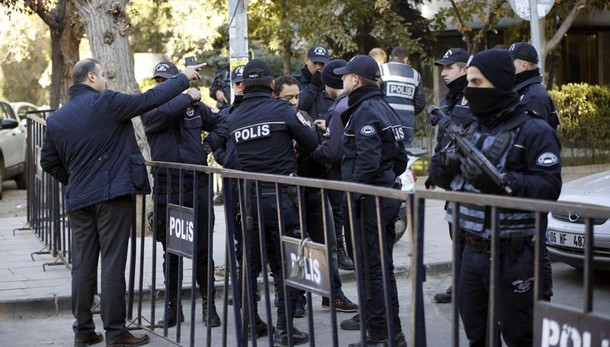 Attacco tribunale Smirne, 11 feriti