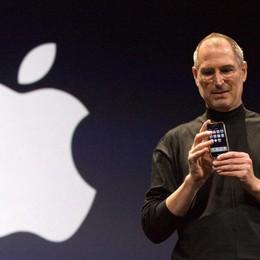 9 gennaio di 10 anni fa il primo iPhone Così scoprimmo il «touch» e le App