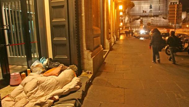 Clochard muore per freddo ad Avellino