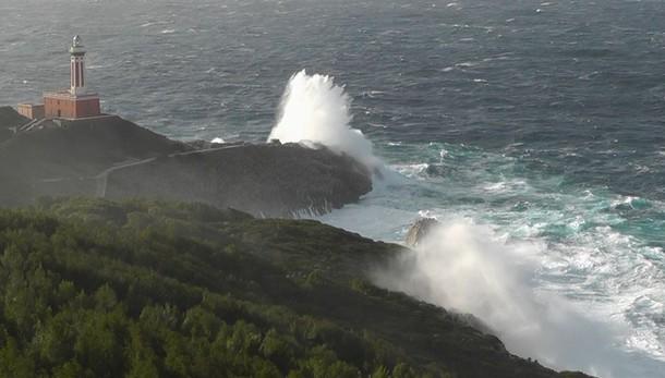 Maltempo: Capri isolata,nessuna corsa