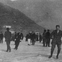 Il fascino pericoloso del lago ghiacciato L'Eco di Bergamo ne parlò già nel 1883