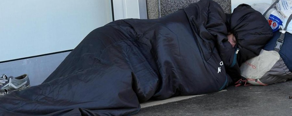 Ondata di freddo in Bergamasca Mobilitazione per accogliere i clochard