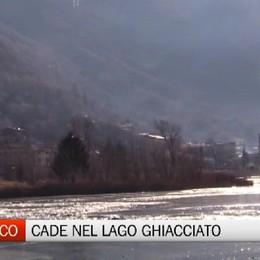 Ranzanico - Cade nel lago ghiacciato, grave 51enne