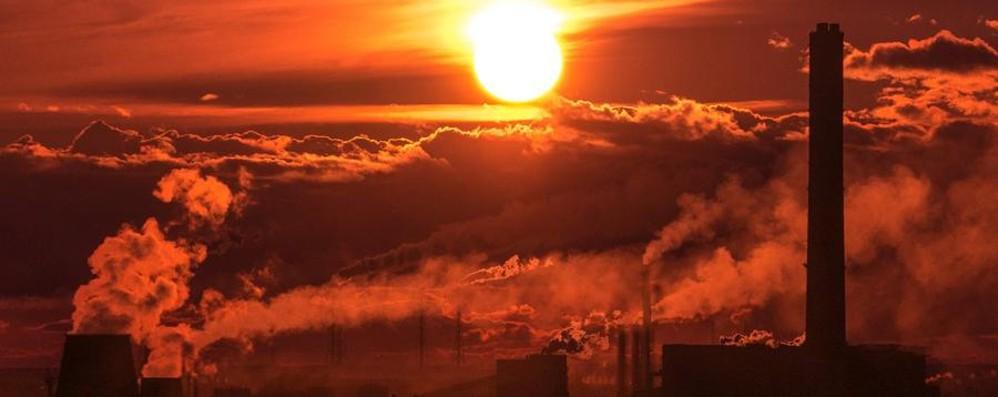 Smog, a Bergamo Pm10 oltre quota 100 A Milano scatta il blocco alle auto