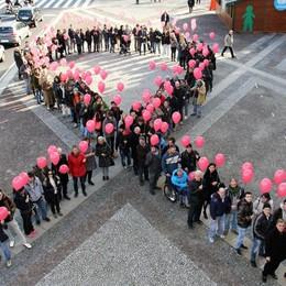 Un grande abbraccio contro l'Aids Servono mille volontari per il record