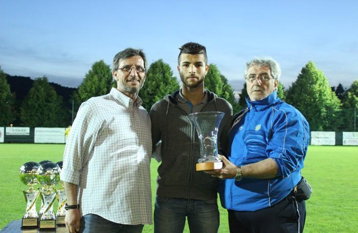 Tahar Troudi premiato nel 2016 nell'ambito del Top del calcio bergamasco, come miglior giovane di Terza categoria (premio Eco di Bergamo)